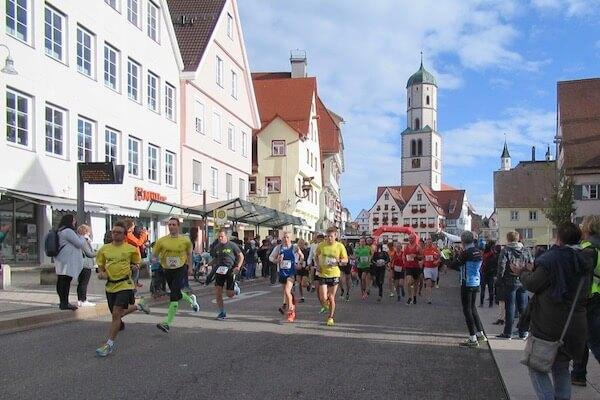 START BKK-VerbundPlus Halbmarathon auf dem Marktplatz